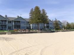 Sand Bay Beach Resort Door County Lodging In Sturgeon
